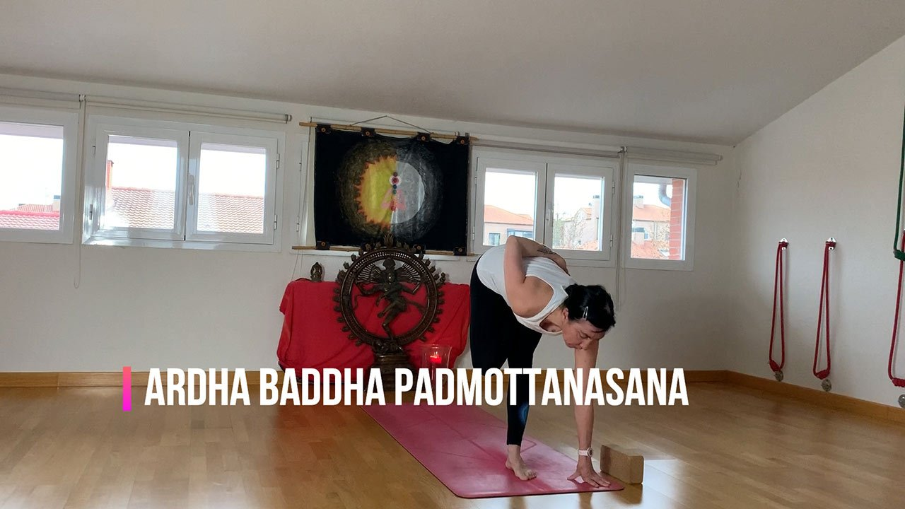 Ashtanga yoga home novena semana Ardha-Baddha-Padmottanasana